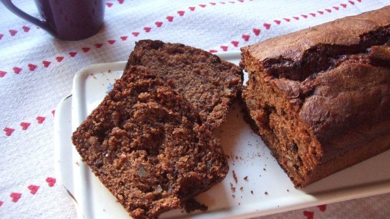 Cake au chocolat au lait, noix et grué de cacao